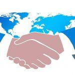 ビジネスマナーのひとつ英語で挨拶する時に握手してますか?